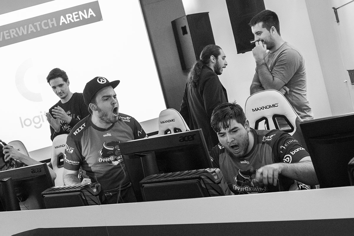 event-photography-esl-overwatch-happiness
